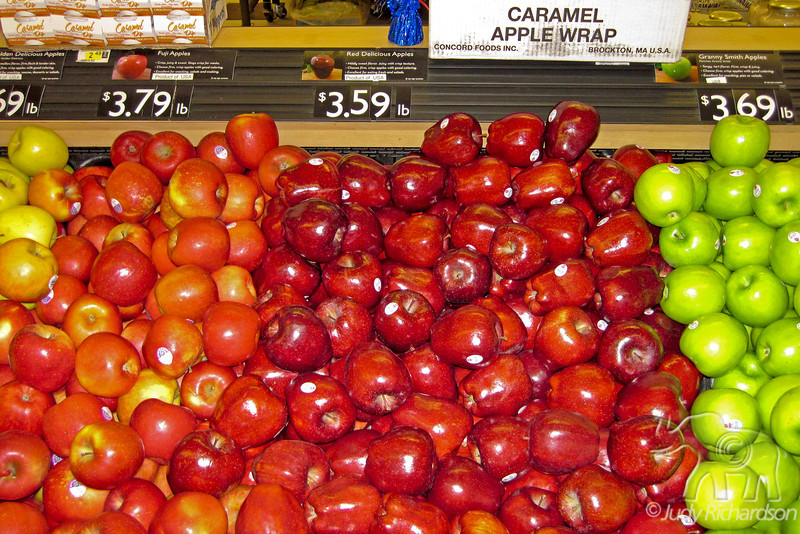 Prices of fruit in grocery store~Barrow, Alaska (August 2011)