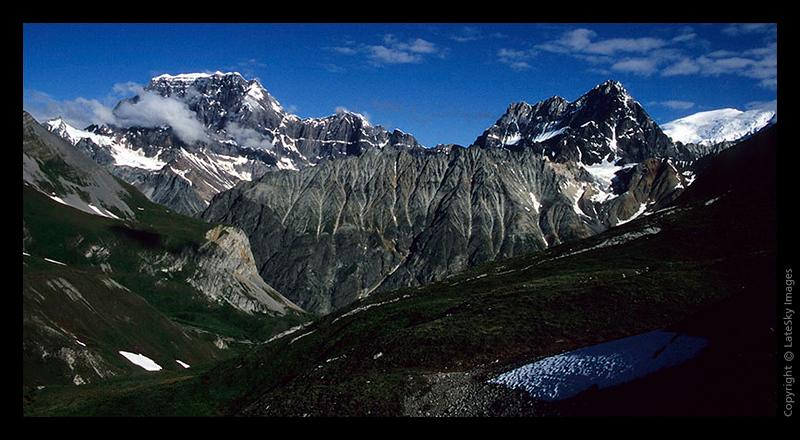 F11 Castle Peak Mountains