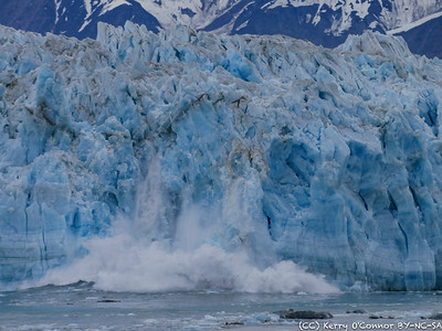 Hubbard Glacier Calving - zoomed in