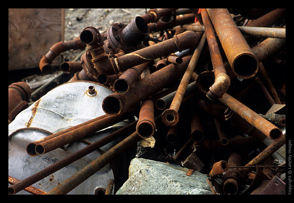 K01 Rusty Pipes