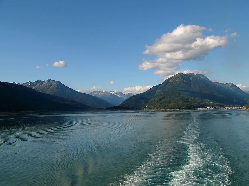 Leaving Skagway and heading south on the Lynn Canal