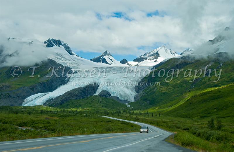 The Worthington Glacier along the Richardson Hwy in the Chugach National Forest, Alaska, USA.