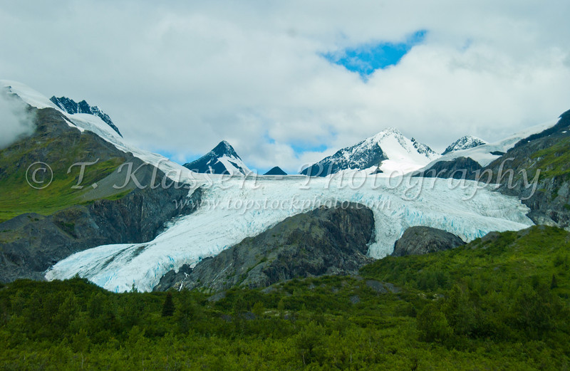 The Worthington Glacier along the Richardson Hwy in the Chugach National Forest, Alaska, USA.