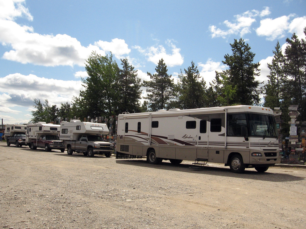 """RV group from Michigan: The 2007 """"Melt the Glaciers"""" Tour."""
