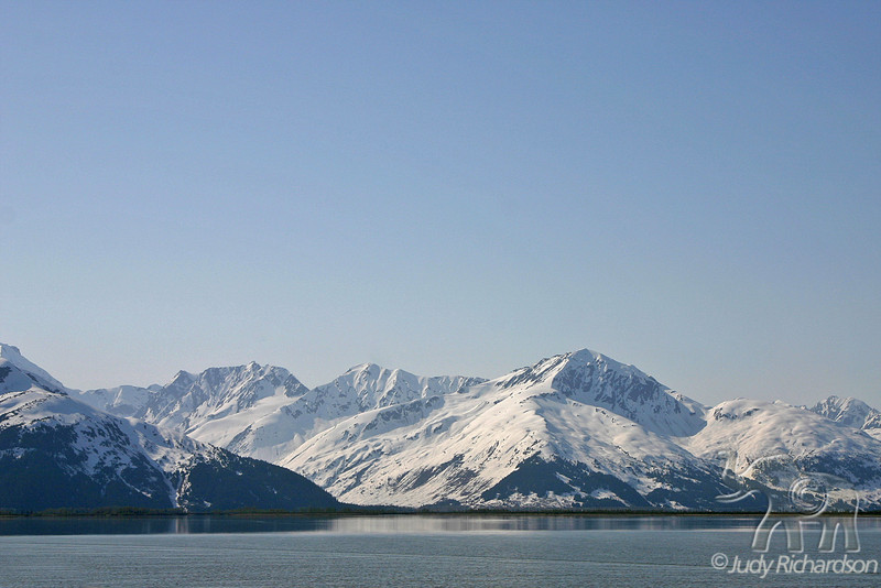 Snow covered mountains along Turnagain Arm