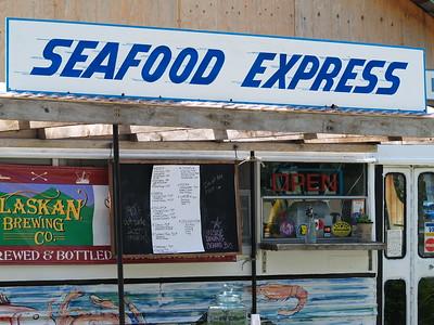 I love Alaska! A converted bus eatery!