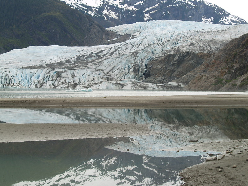 Mendenhall Glacier, just before it started to rain (May 2007).