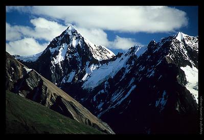 O04 University Range Peak