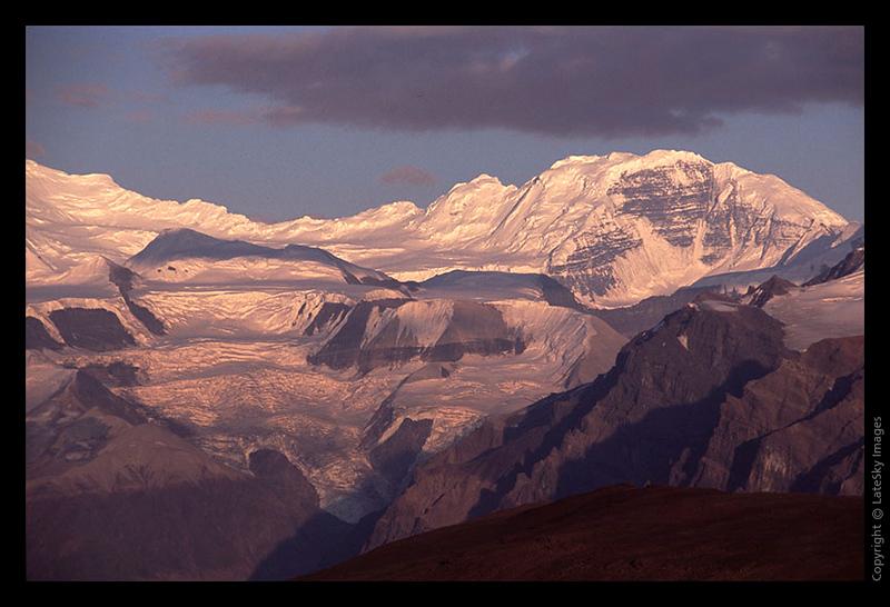 I23 Late Sun on Mount  Bona