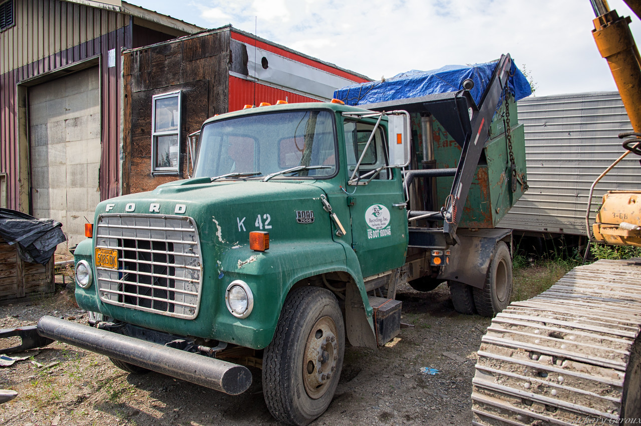 1960 Ford F7000 Colby Liftainer Container handler