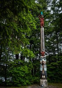 Heraldic Pole