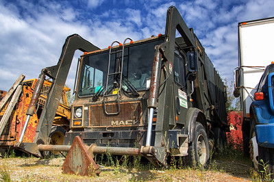 Mack MR Dempster DM Front Loader