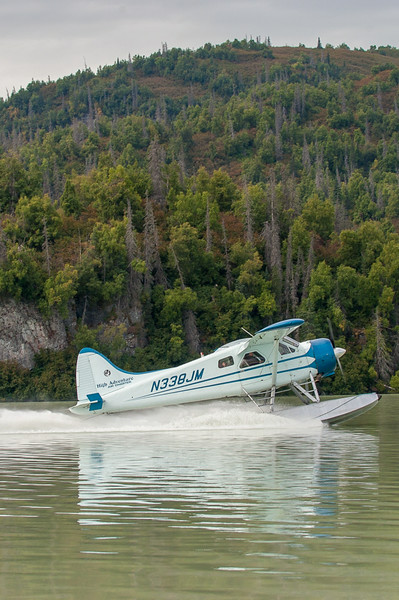 Photo Tour of Alaska: Plane landing on water