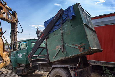 1960 Ford F700 Colby Liftainer Dumpster