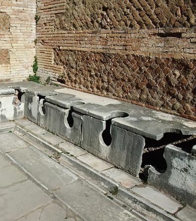 ostra public toilets