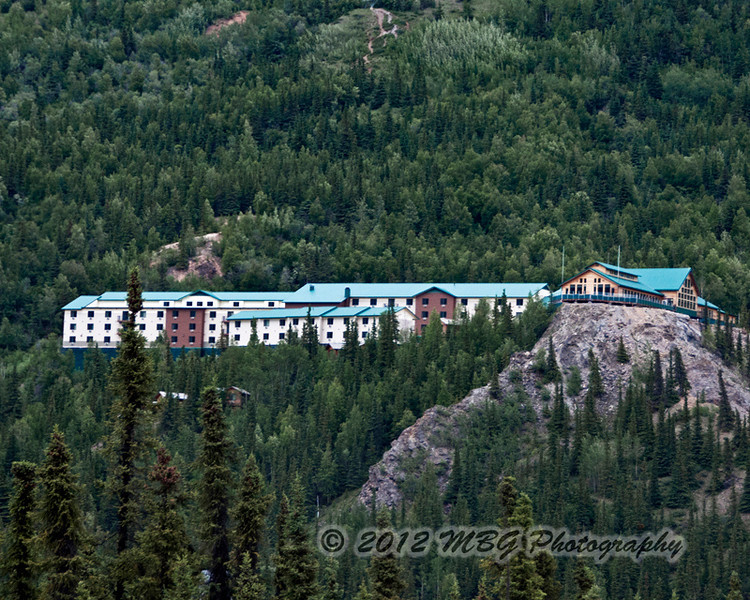 Another shot of the Grande Denali Lodge taken from the park area.