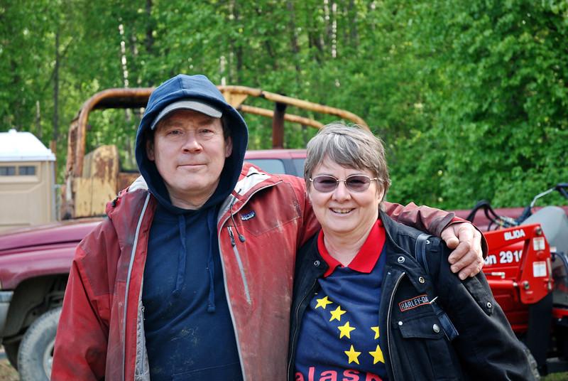 Jerry Sousa, Top 20 Iditarod finisher, and Cheryl