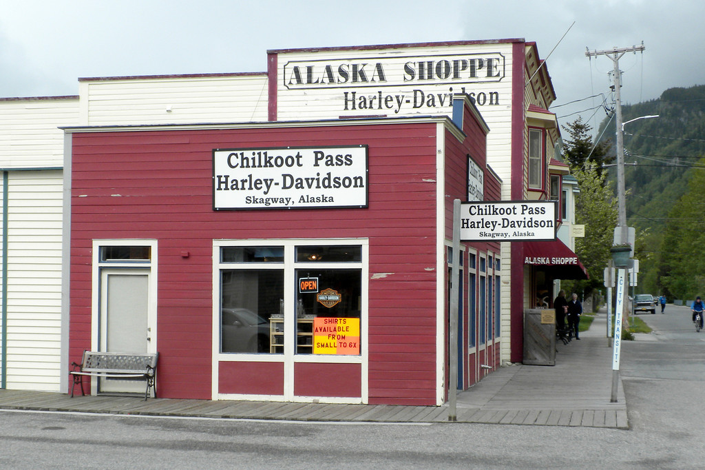Walking around the streets of Skagway