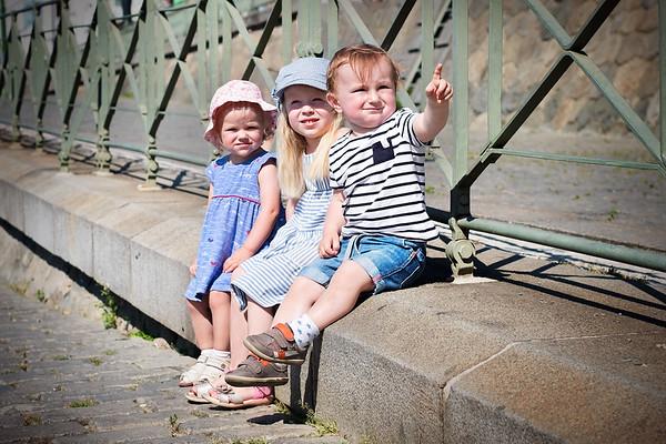 Ségry Dáša, Petra a děti