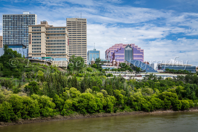 The city skyline and the North Saskatchewan River in Edmonton, Alberta, Canada.