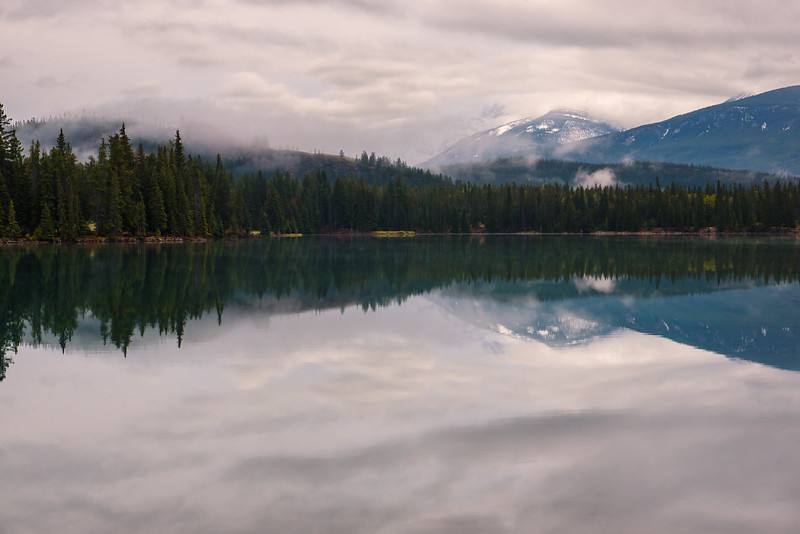 Early Spting Morning Lac Beauvert Landscape