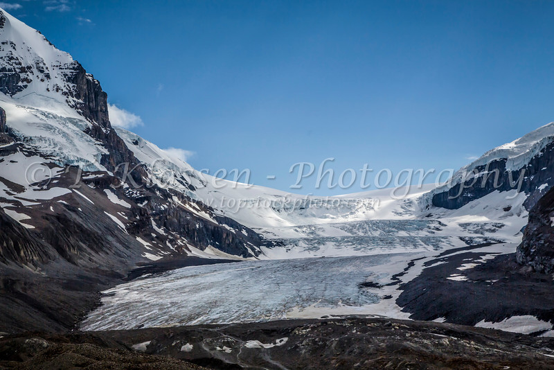 The Athabasca Glacier in the Columbia Icefield in Jasper National Park, Alberta, Canada.