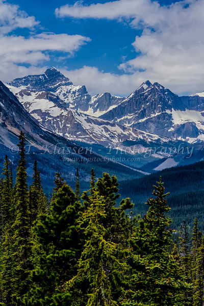 A mountain range along the Icefields Parkway in Jasper National Park, Alberta, Canada.