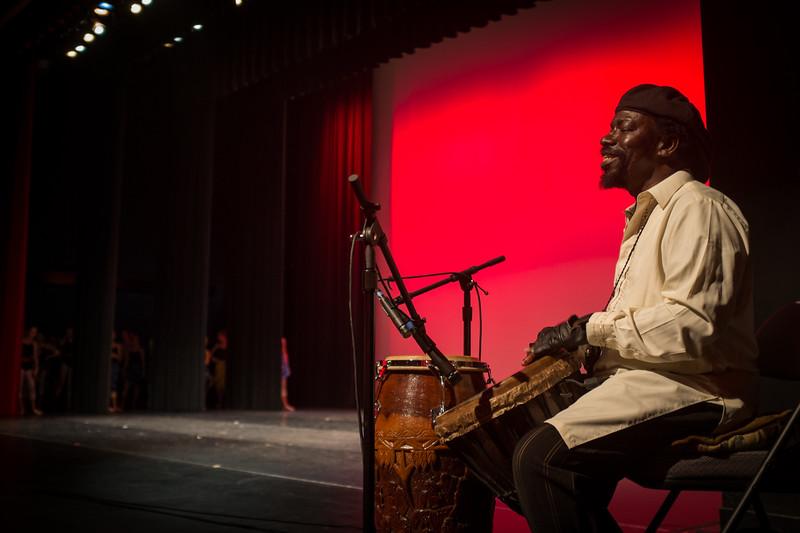 Pope Flyne, African dance