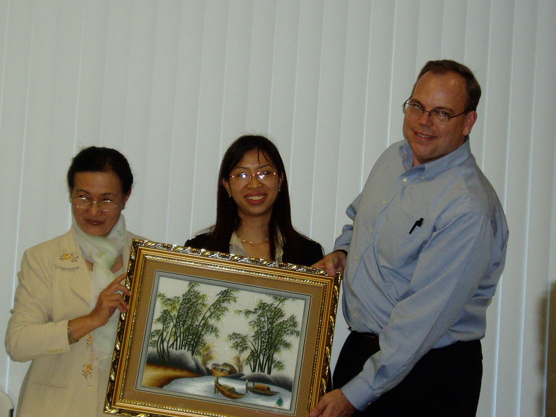 Presentation of gifts to the FHSA director.