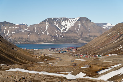 Longyearbyen from the glacier