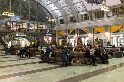 Central station, 05:40 12 December 2013