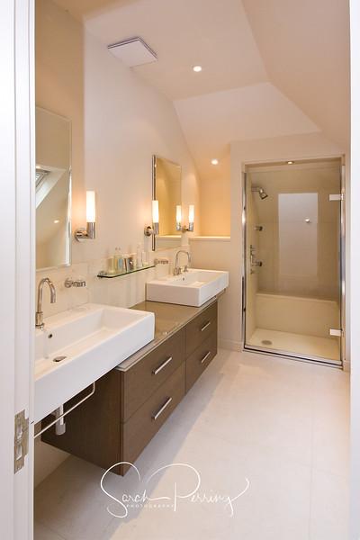 An example of an high class bathroom