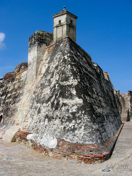 IMG_1272.JPG<br /> Cruising Colombia: Cartagena<br /> Castillo San Felipe