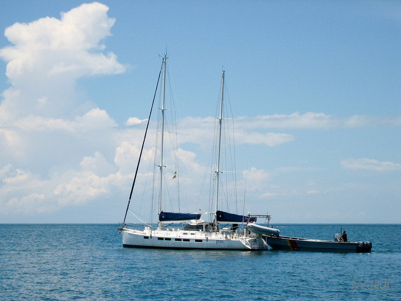 IMG_1203.JPG<br /> Cruising Colombia: Rodadero<br /> Boarding by the coast guard of Santa Marta. Very nice fellows.