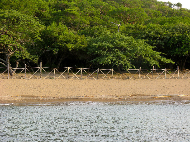 IMG_1177.JPG<br /> Cruising Colombia: Bahia Gairaca.<br /> We have no clue what the fence is for...