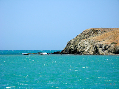 IMG_1158.JPG Cruising Colombia: Cabo de la Vela. We're basically anchored at open sea but the protection is very good.
