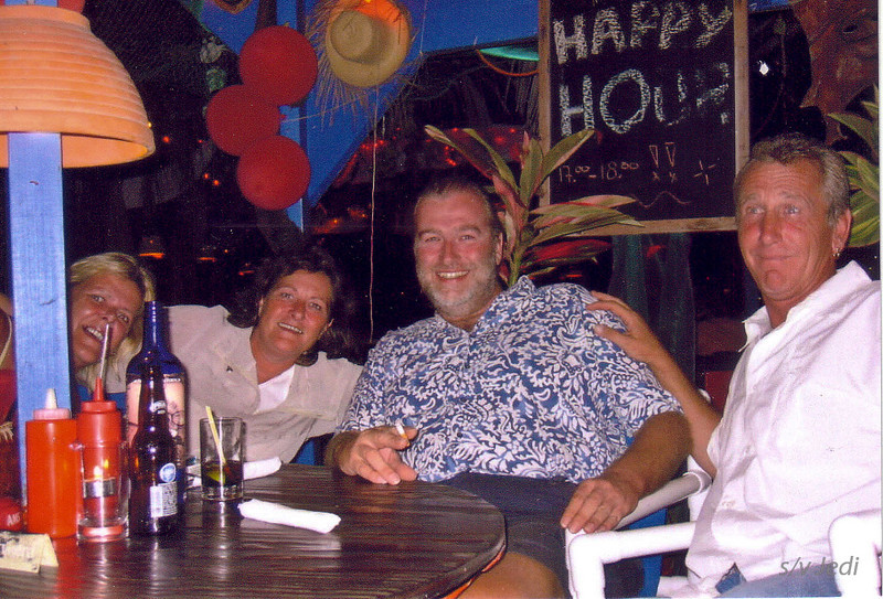 Cruising Curacao: Spaanse Water<br /> We're celebrating Valentines day together with Gina & Gerard (One Way Wind)