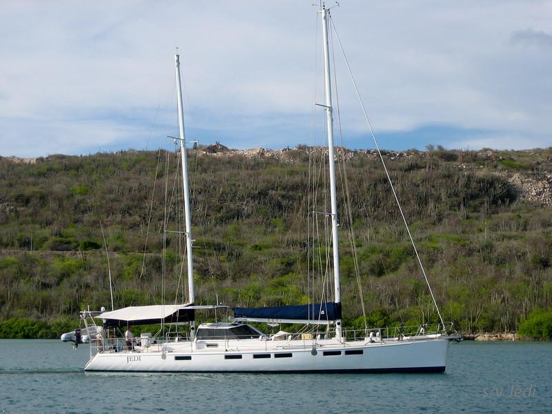 IMG_0989.jpg<br /> Cruising in Curacao.<br /> Jedi arriving in Fuik Baai.