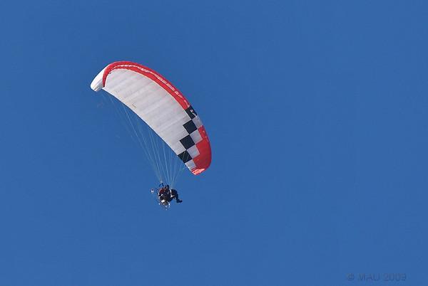 Parapente sobre mi casa - Paragliding over my house