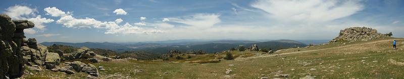 Desde la cima mirando al Oeste.  Looking West from the top.