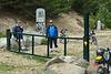 Mis dos hermanos descansando en la 'frontera' de Madrid y Segovia.