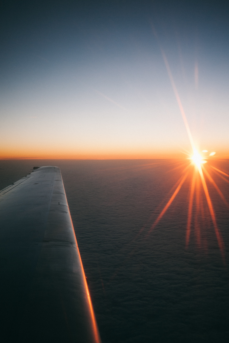 One advantage of our early morning flight was the breathtaking sunrise over the cloud line.