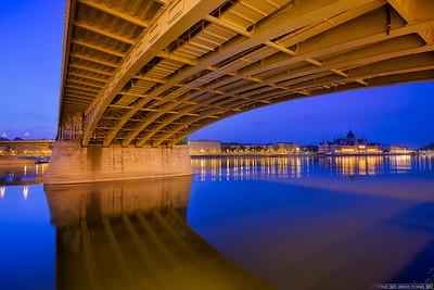 The very yellow bridge