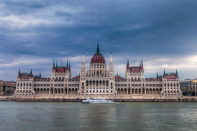 Hungarian Parliament As  you can see, the weather was not good when I was in Budapest two months ago. But still I wanted at least some interesting photos.