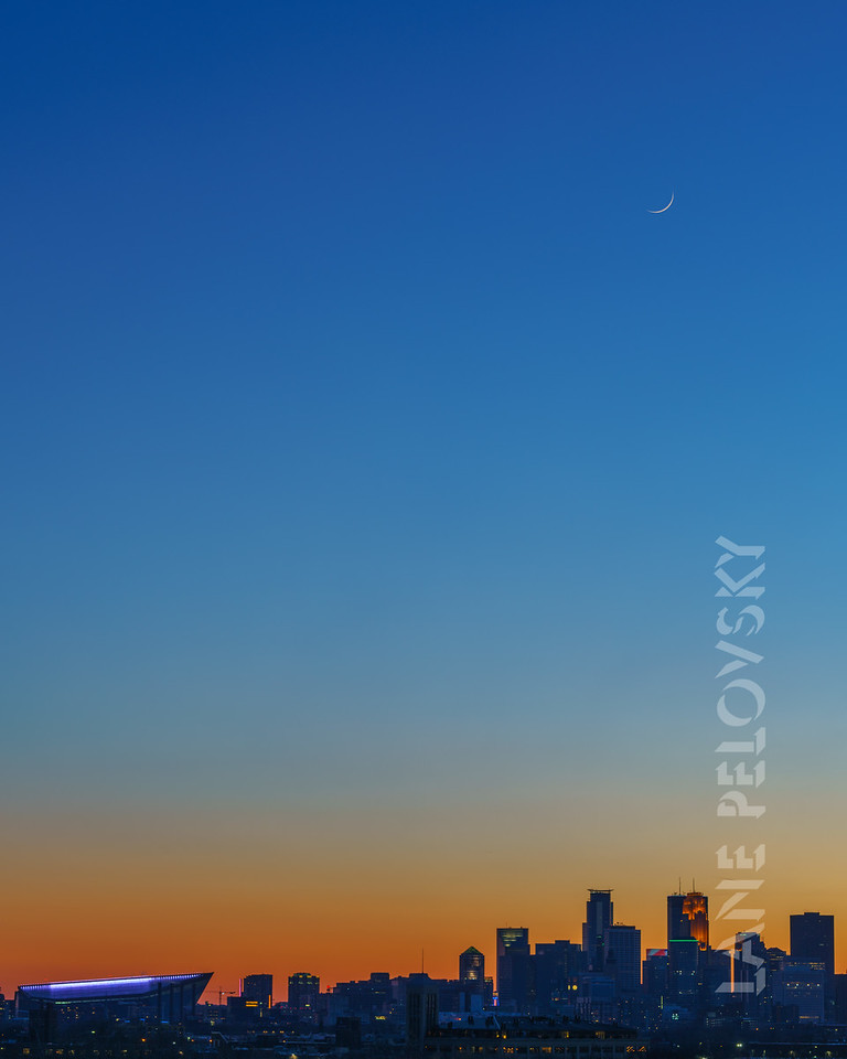 City Gradient and Moon