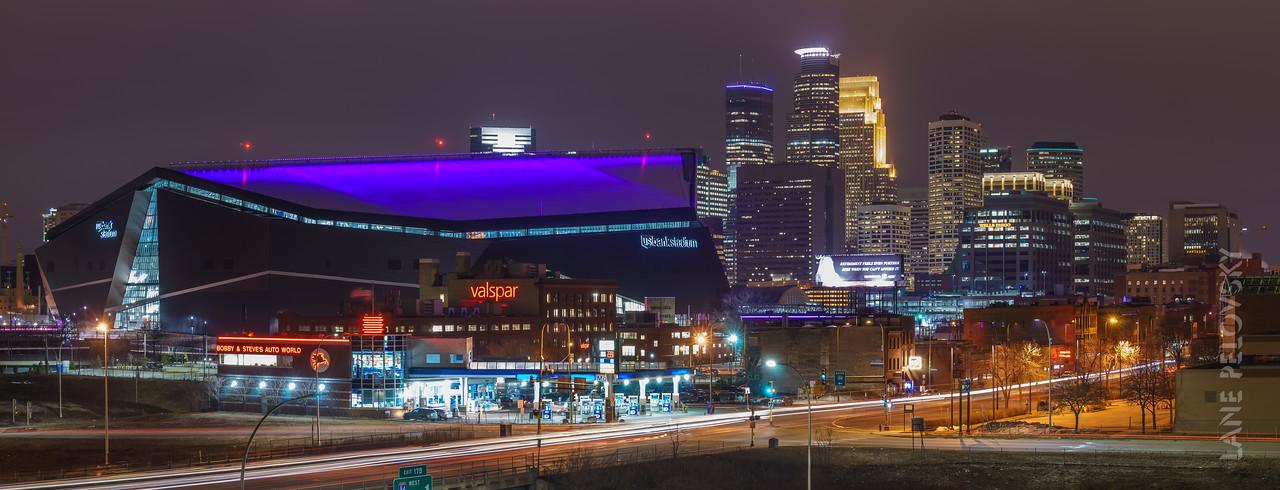 Minneapolis - US Bank Stadium and the Skyline Pano