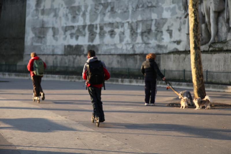 Around place du Trocadéro.
