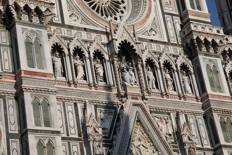 Started in 1296 and essentially completed in 1436, entirely faced with scuptured marble, the math for calculating stresses of 37,000 tons of material for the dome, was centuries away.  So Brunelleschi (the architect) relied on experience, intuition, innovation and models.