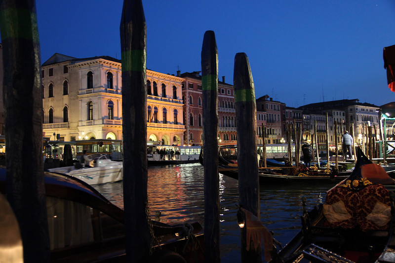 Grande Canal at night