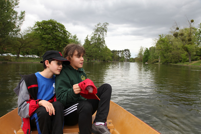 Took out a row boat in the Bois de Boulonge on the Fête du Travail (May 1)
